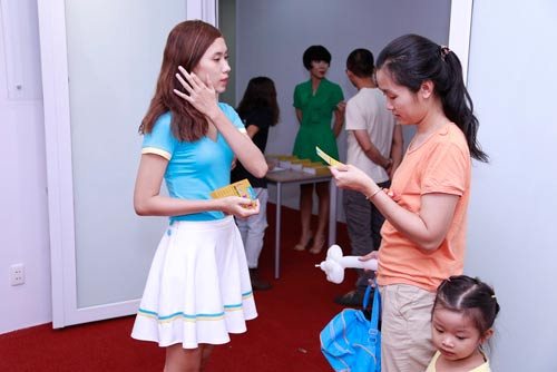 doc dao le hoi cung an chay phien ban 1/6 danh rieng cho tre - 16