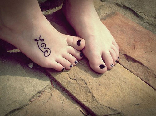 Trào lưu xăm mu bàn chân khiến chị em phát sốt-16