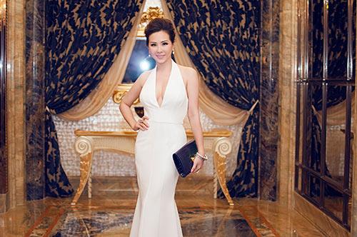Hoa hậu Thu Hoài gợi cảm bên Mr Đàm-1