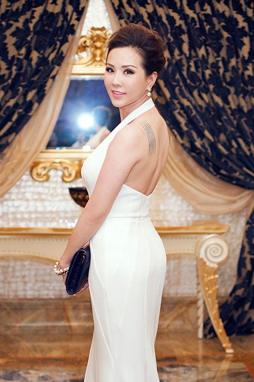 Hoa hậu Thu Hoài gợi cảm bên Mr Đàm-2