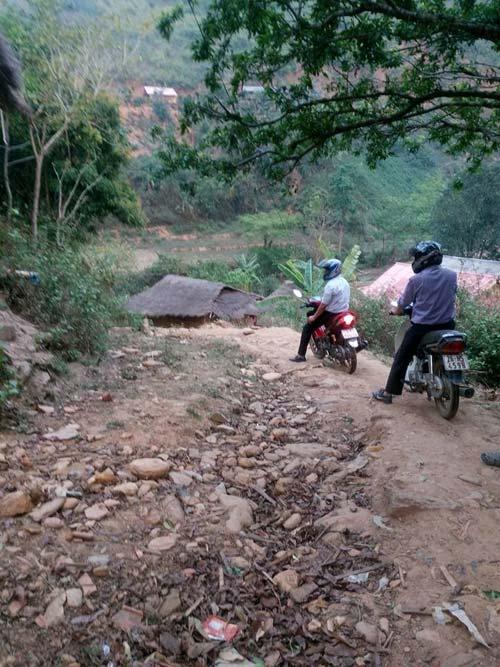 Trời mưa, đường trơn vẫn quyết không bỏ trường-7