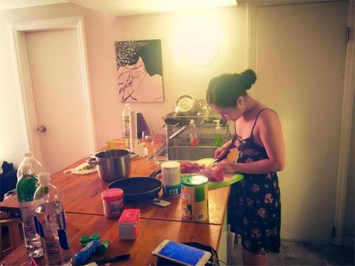 Hương Tràm nấu ăn cho Cao Thái Sơn sau tin đồn kết hôn-2