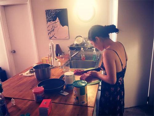 Hương Tràm nấu ăn cho Cao Thái Sơn sau tin đồn kết hôn-3