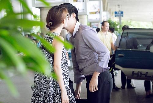 diem my 9x tinh cam hon ban trai tai san bay - 9