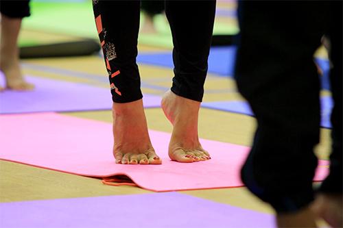 hon 500 nguoi tham gia trinh dien ngay quoc te yoga - 6