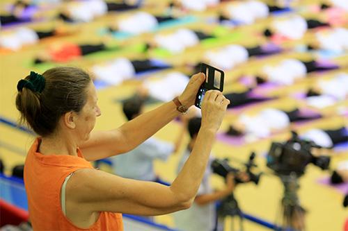 hon 500 nguoi tham gia trinh dien ngay quoc te yoga - 12