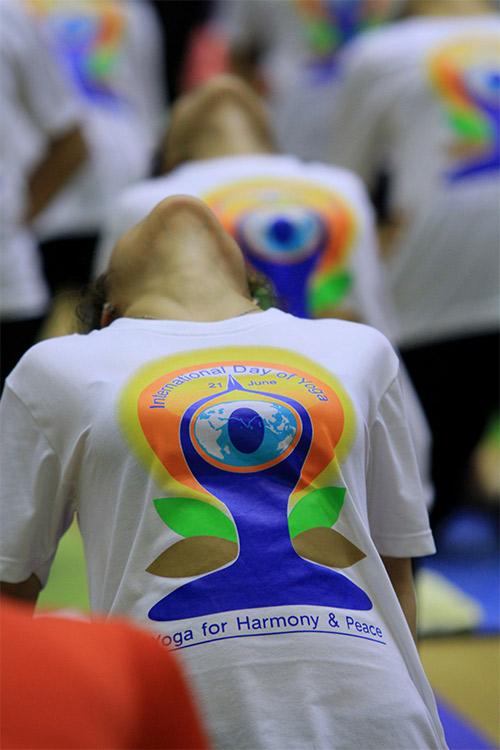 hon 500 nguoi tham gia trinh dien ngay quoc te yoga - 11
