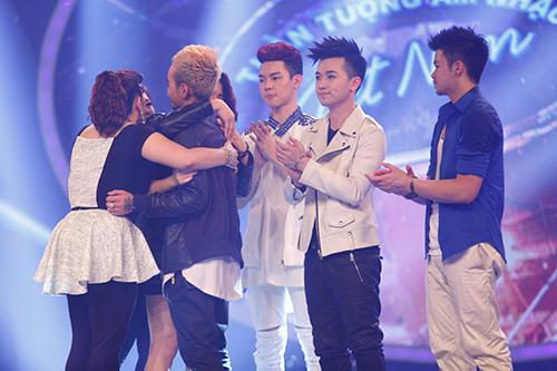 "vietnam idol: ""ma ca rong"" ngoc viet bi loai sau khi doi luat choi - 15"