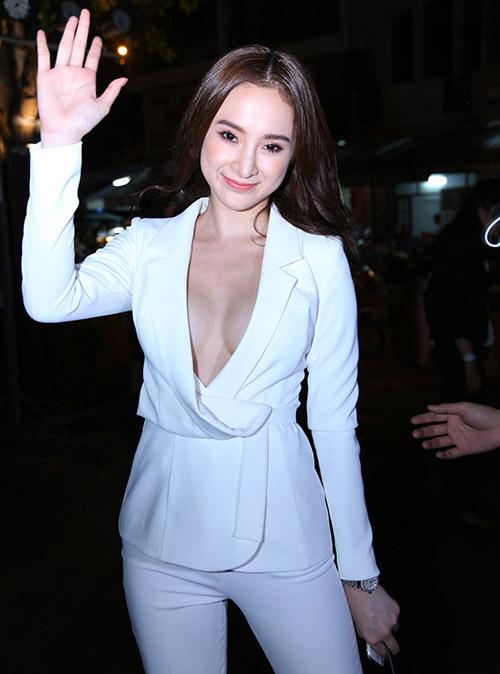 ao vest quen noi y khong danh cho angela phuong trinh - 1