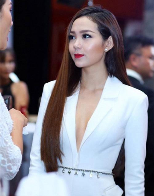 ao vest quen noi y khong danh cho angela phuong trinh - 9