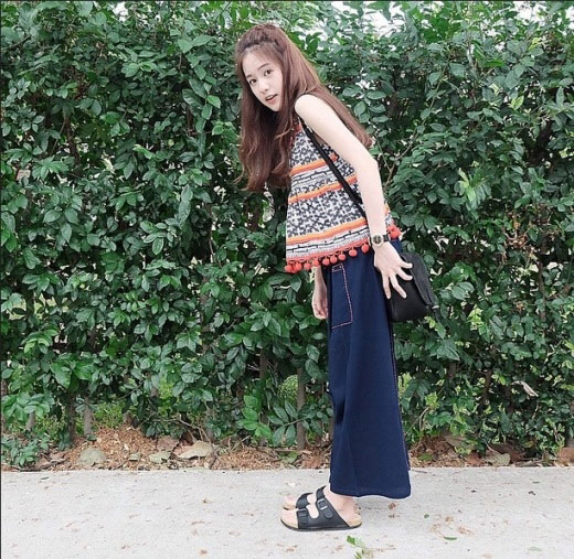 """hot girl thai lan """"xinh nhu mong"""" khien dan cu mang chao dao - 4"""