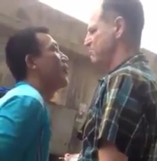 Ông Tây nói gì khi xông vào ngăn người chồng Việt đánh vợ?-2