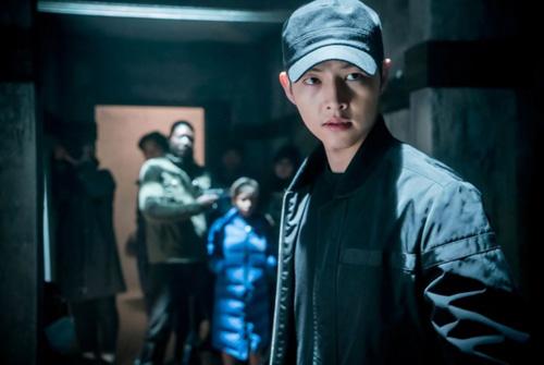 """ai dam lam ke thu so 1 cua 2 """"anh linh"""" song joong ki, jin goo? - 9"""
