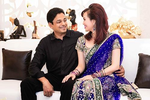 Hoa hậu Diệu Hoa thắm thiết bên chồng suốt sự kiện-3