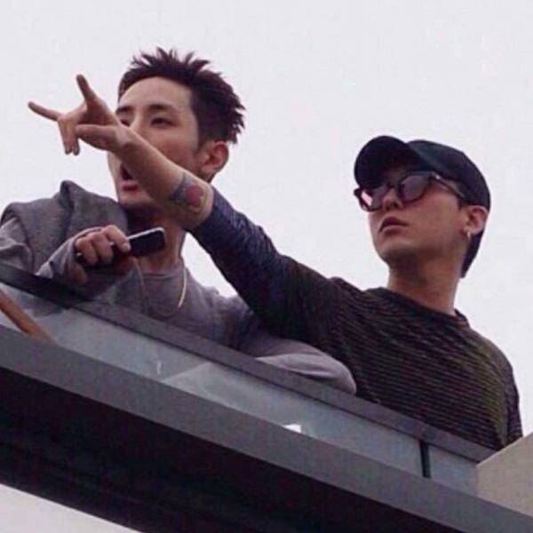 Á hậu Tú Anh khoe ảnh chụp cùng Seungri (Big Bang)-6