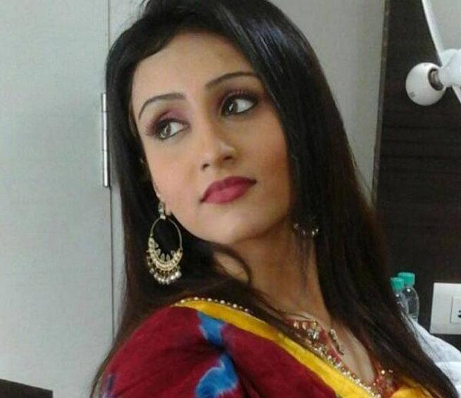 Thêm nhiều tình tiết mới vụ Pratyusha Banerjee treo cổ tự tử-2