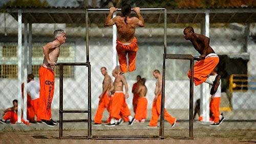 Tội phạm ấu dâm khó che giấu thân phận trong nhà tù Mỹ-2