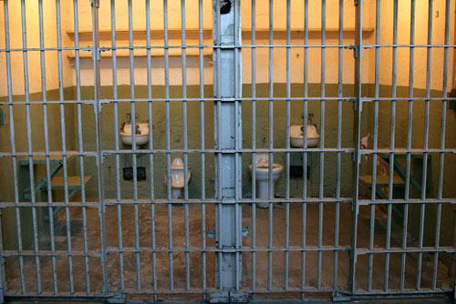Tội phạm ấu dâm khó che giấu thân phận trong nhà tù Mỹ-3