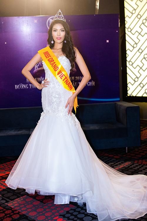 Lan Khuê được chủ tịch Miss Grand International mời thi hoa hậu-10