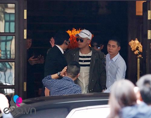 Seungri (Big Bang) thoát khỏi vòng vây fan trở về Hàn-3