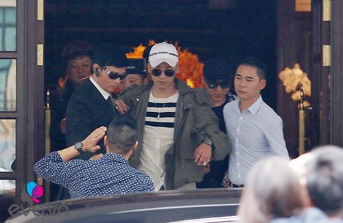 Seungri (Big Bang) thoát khỏi vòng vây fan trở về Hàn-4