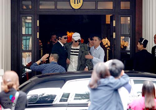Seungri (Big Bang) thoát khỏi vòng vây fan trở về Hàn-5