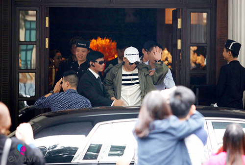 Seungri (Big Bang) thoát khỏi vòng vây fan trở về Hàn-7