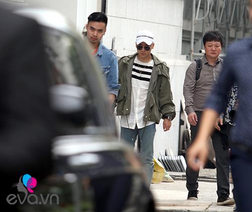 Seungri (Big Bang) thoát khỏi vòng vây fan trở về Hàn-12