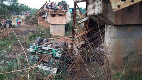 Xem xét khởi tố vụ xe tải làm sập cầu ở Đắk Lắk-1