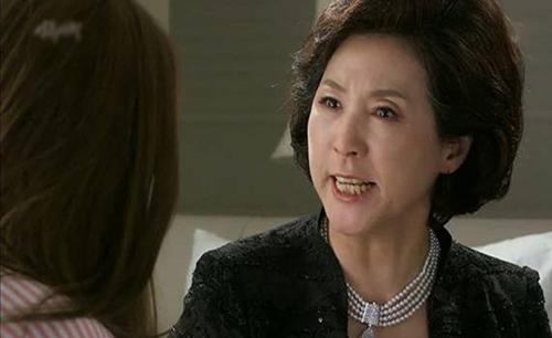 quyet roi khoi nha chong vi con rieng khong duoc yeu thuong - 2