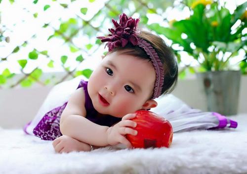 pham khanh linh - ad13340 - nang kem ma hong - 1