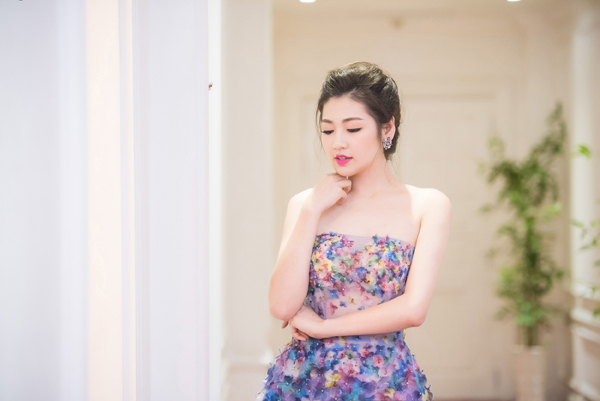 "tuan qua: my nhan 7x giang my - thu hoai ""at via"" dan em - 7"