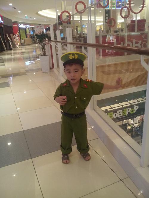 quach nguyen gia long - ad82255 - chu cong an ti hon - 1