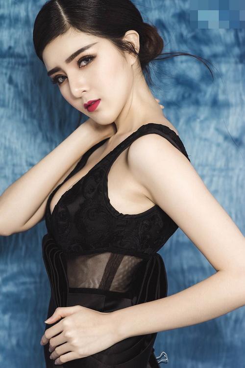 hot girl lily luta lanh lung khoe vong 1 goi cam nho dao keo - 6