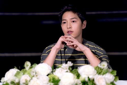 """song joong ki: """"hen ho song hye kyo? dung ha thap tien boi"""" - 2"""