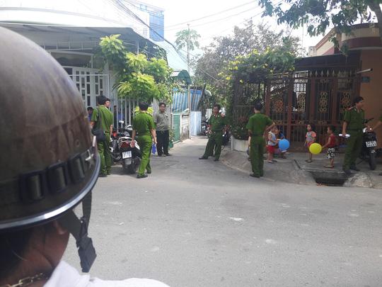 pho giam doc ngan hang chet tai nha rieng - 1