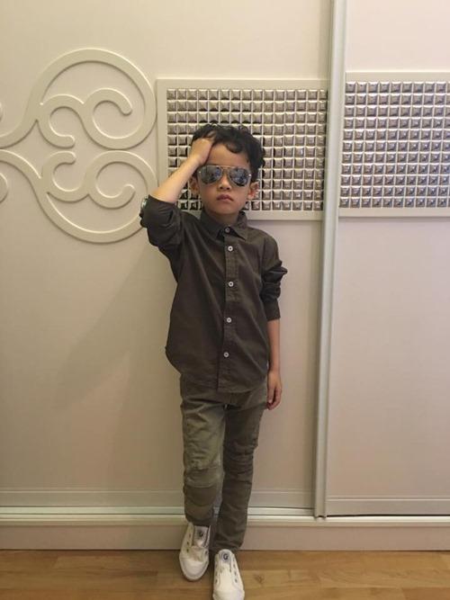 que van khoe con trai sanh dieu nhu hot boy - 8