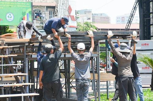 Người Sài Gòn mệt mỏi trong đợt nắng nóng kỷ lục-2