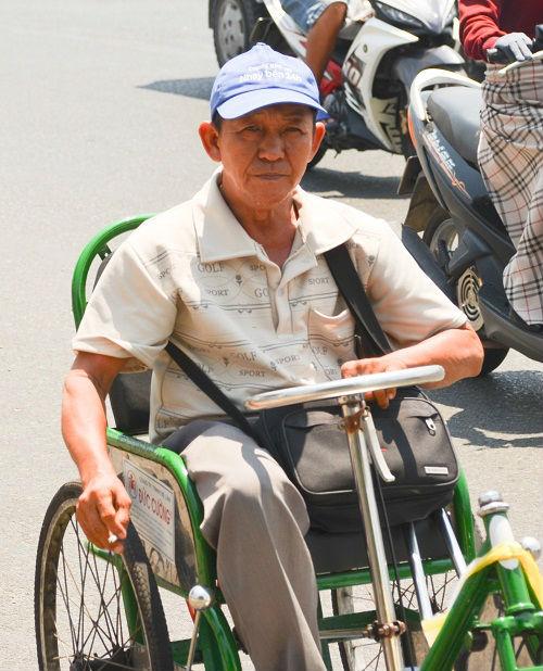 Người Sài Gòn mệt mỏi trong đợt nắng nóng kỷ lục-4