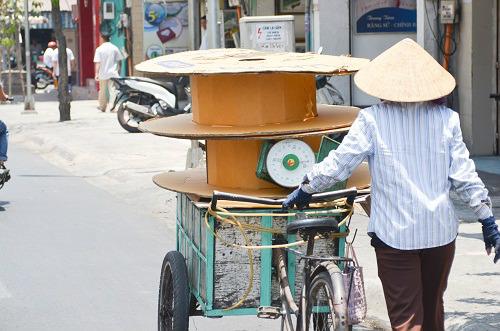 Người Sài Gòn mệt mỏi trong đợt nắng nóng kỷ lục-6