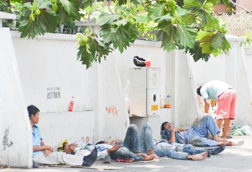 Người Sài Gòn mệt mỏi trong đợt nắng nóng kỷ lục-11