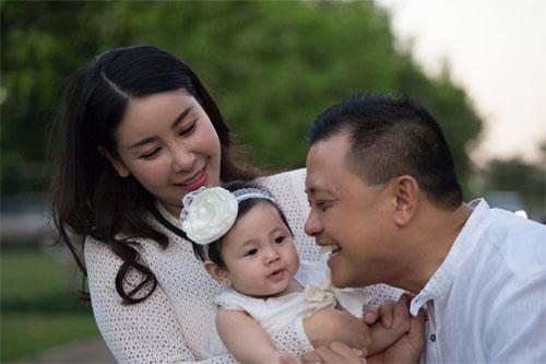 Vợ chồng Hà Kiều Anh ngọt ngào bên con chung, con riêng-9