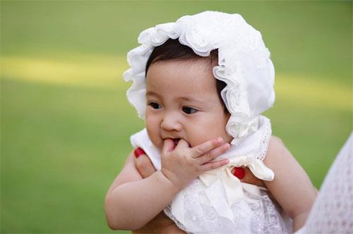 Vợ chồng Hà Kiều Anh ngọt ngào bên con chung, con riêng-8