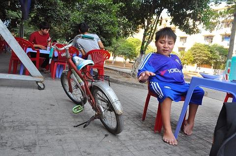 hanh trinh chinh phuc con chu cua chang sinh vien cao 80cm - 4
