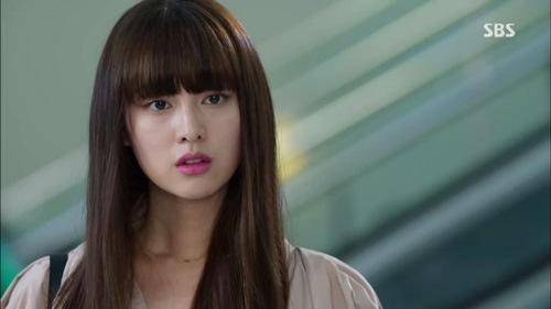 Hậu duệ của mặt trời: Kim Ji Won có thực sự diễn xuất thần?-4