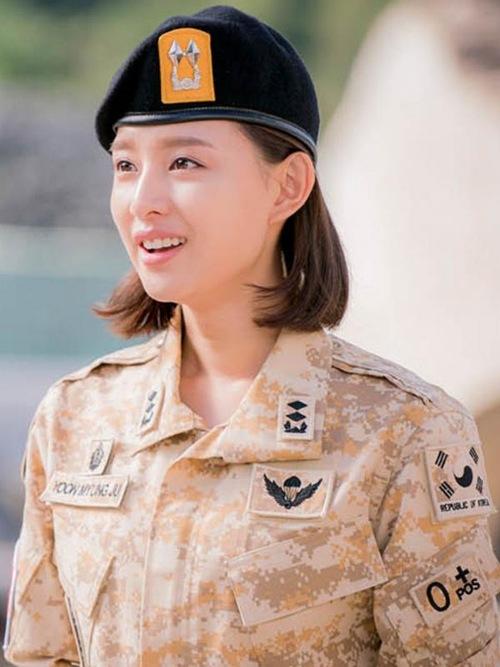 Hậu duệ của mặt trời: Kim Ji Won có thực sự diễn xuất thần?-5