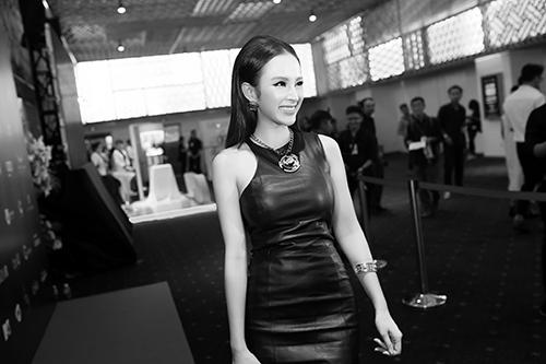 Angela Phương Trinh diện hàng hiệu nửa tỷ đồng trên thảm đỏ-5