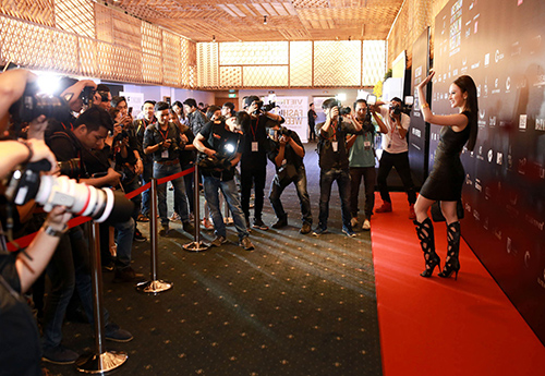 Angela Phương Trinh diện hàng hiệu nửa tỷ đồng trên thảm đỏ-6