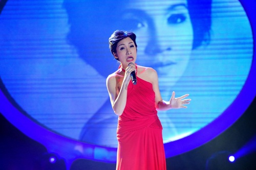 Cười sặc vì Hòa Minzy hóa Diva Mỹ Linh phiên bản 'ác nhất Việt Nam'-5