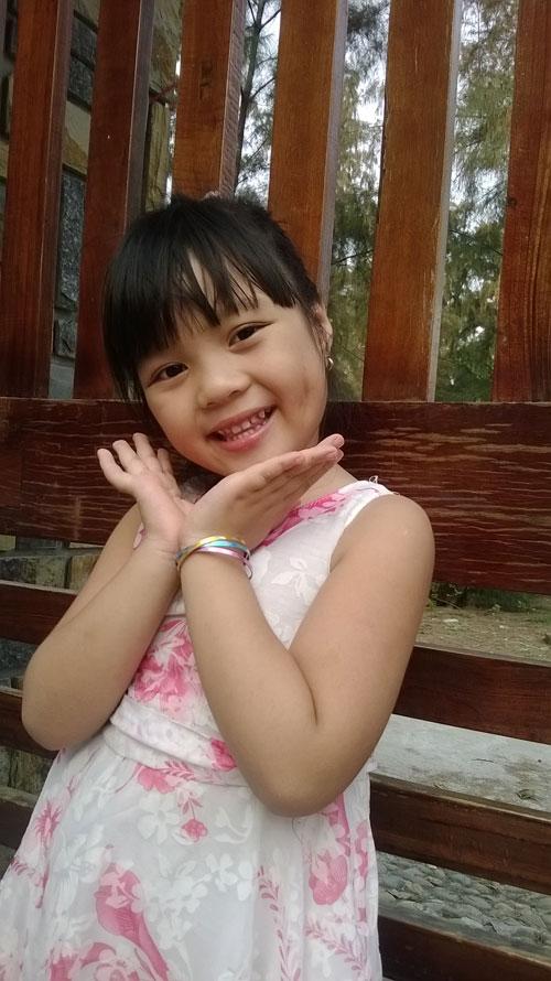 Phạm Uyên Minh - AD44800 - Cô bé thích làm điệu-2